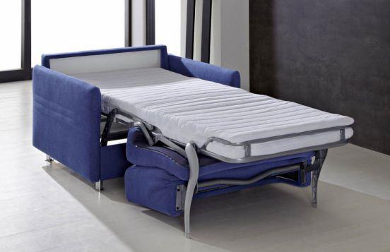 Im Handumdrehen wird aus dem Sessel ein gemütliches Gästebett