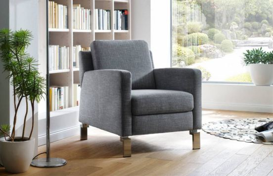 gemütlicher Sessel Piet von Carina in Grau