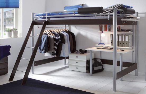 mit praktischer Kleiderstange und integriertem Schreibtisch