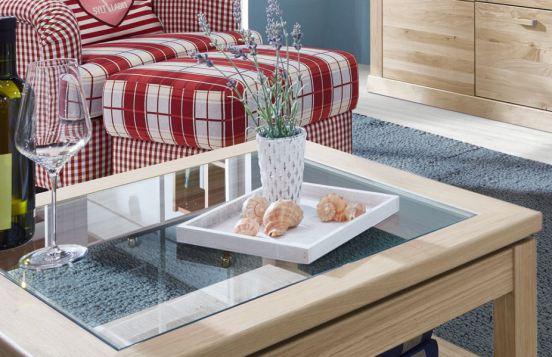 Couchtisch von Schröder – Holztischplatte mit Glaseinlage und Holzzwischenboden