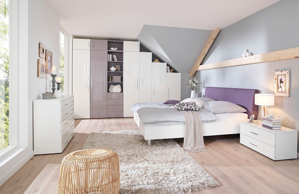 wohnen mit dachschr gen online m bel magazin. Black Bedroom Furniture Sets. Home Design Ideas