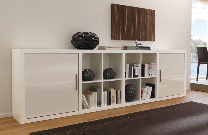 Bücherregal weiß mit Türenelementen