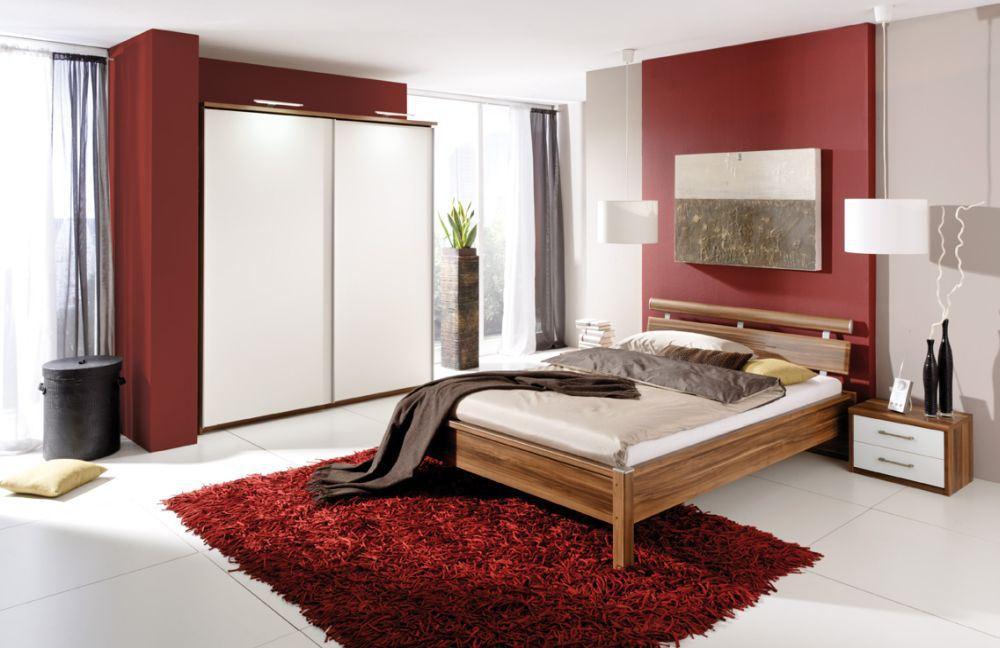 Rot und Grau im Schlafzimmer kombinieren