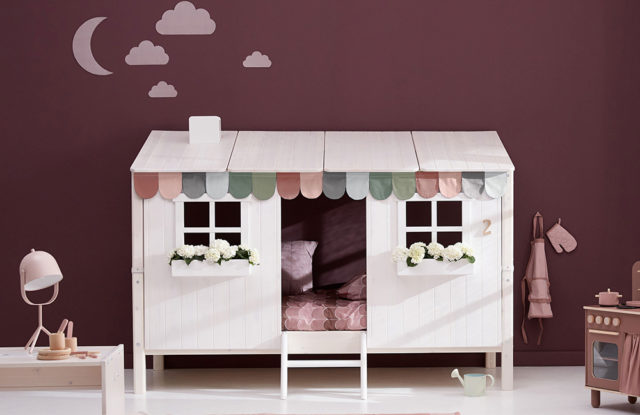 Einzelbett mit Classic-Haus von Flexa