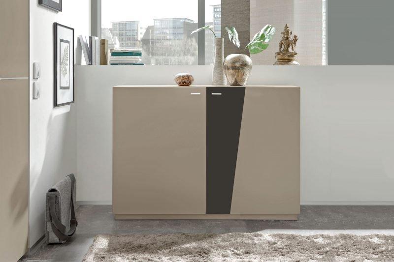 Moderne Türenkommode aus dem Hause Loddenkemper - hier das Modell Slash