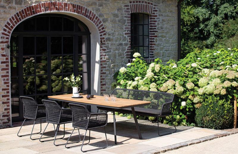 Sitzgruppe Garten Frühling